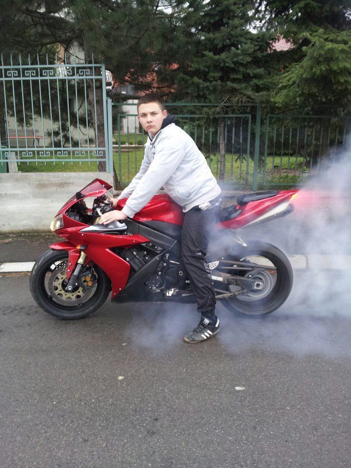 Yamaha R1 - Marko Nikolic