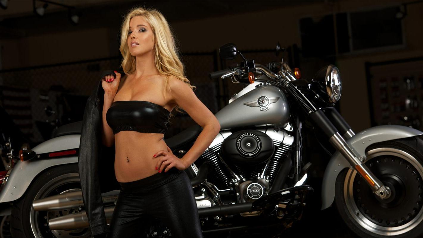 Harley davidson biker babes calendar, naked girl with a duck